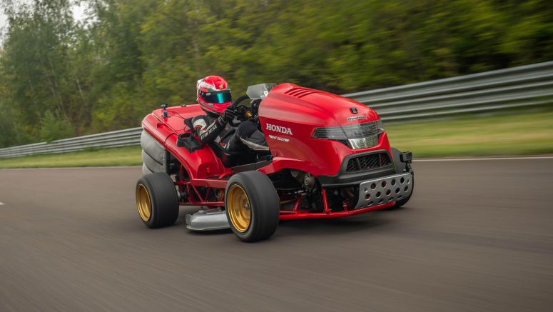 Watch Honda Mean Mower V2 hit 100 mph in 6.29 seconds, top out at 150 mph