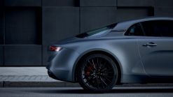 Alpine A110S Debuts With 288 HP And Optional Carbon Fiber Roof