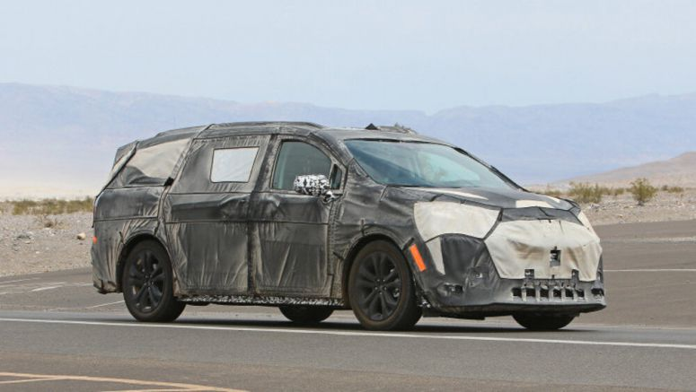 2021 Toyota Sienna spy photos from Death Valley - Autoblog