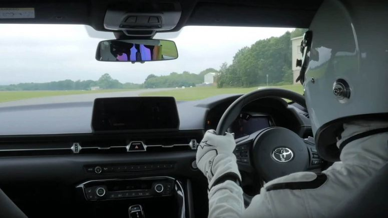 New Toyota Supra FASTER On Top Gear's Test Track Than Lambo Murcielago