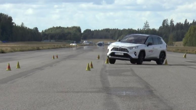 Watch the Toyota RAV4 AWD struggle with the Moose Test