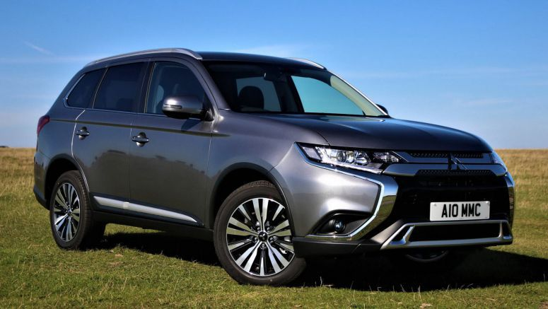 Petrol-Powered Mitsubishi Outlander Gains Updated Specs