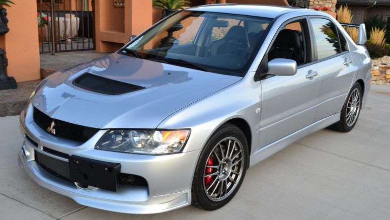 10K-Mile Mitsubishi Lancer Evo IX MR Will Excite Any True Petrolhead
