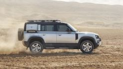 Land Rover Defender reportedly will spawn smaller, bigger models