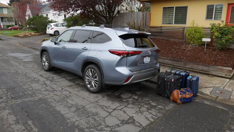 2020 Toyota Highlander Luggage Test | How much fits behind the third row?