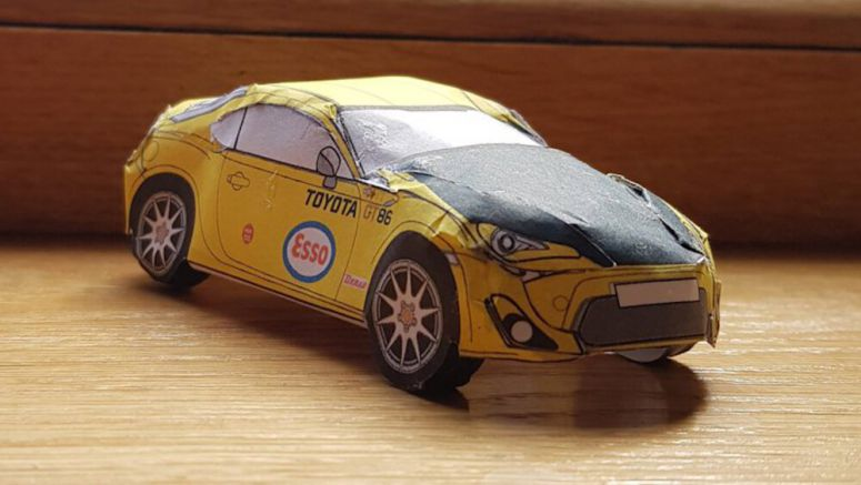 Toyota 86 paper models are here to eat up some time