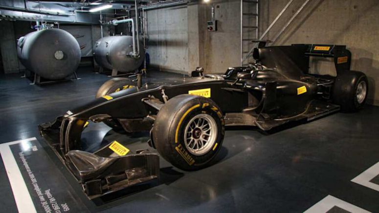 2009 Toyota TF109 Formula One car crossing the auction block