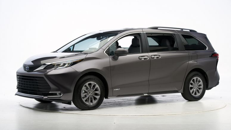 2021 Toyota Sienna minivan earns IIHS TSP+ award with big improvements