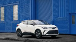 2021 Toyota C-HR gets Top Safety Pick award from IIHS