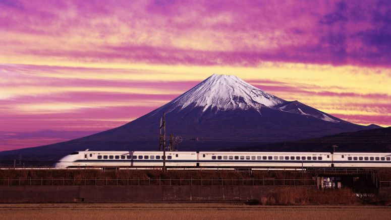 Shizuoka Prefecture considers ban on winter climbs up Mt. Fuji