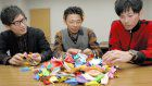 3 students collect 541 origami cranes for peace during America trip